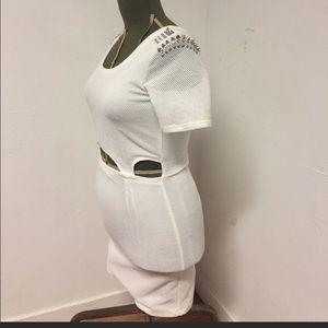 Trendy White bodycon dress w studs!